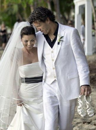 best white wedding tux - Shania Twain and Frédéric Thiébaud wedding