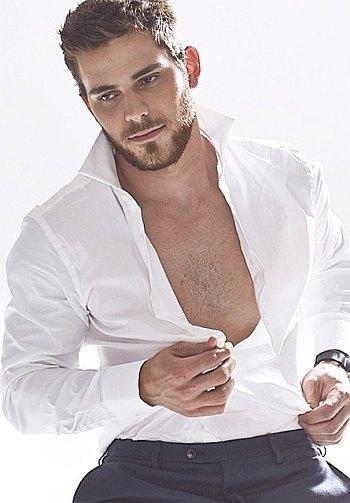 tyler seguin beard and chest body hair