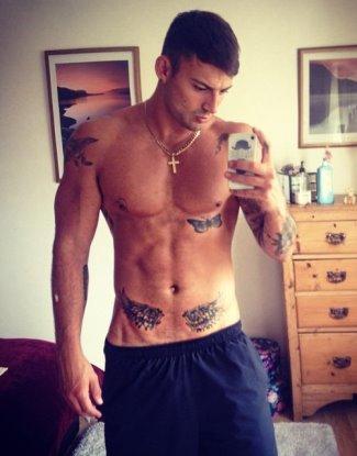 jake quickenden shirtless hot body