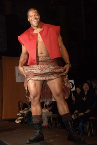 michael-strahan-runway-model