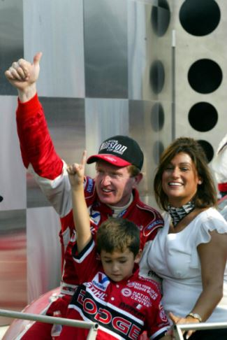 chase elliott at 6 years young - with mom and dad
