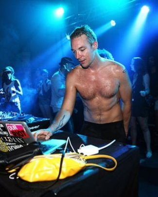 dj diplo shirtless