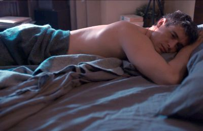 max irons hot men in bed
