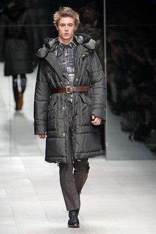 max irons model - burberry long coat