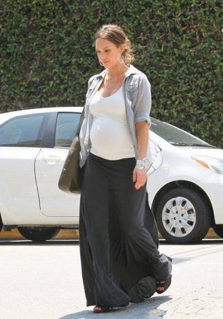pregnancy skirt - jessica alba in Alternative Apparels Maxi Skirt - 2011