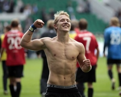 sexy german men footballers - lewis holtby