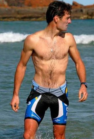 shirtless formula 1 drivers - Mark Webber3