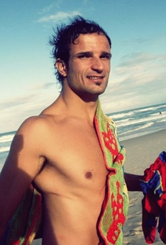 shirtless formula 1 drivers - vitantonio liuzzi2
