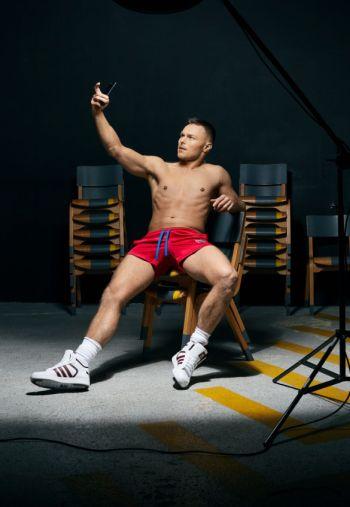 Andrew Hayden-Smith shirtless hot guys with iphones