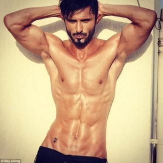 Owais Khan shirtless - desi rascals