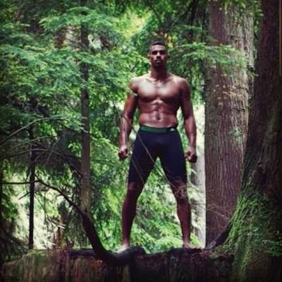 black hockey players - shirtless Evander Kane underwear - altanta thrashers - sportsnet