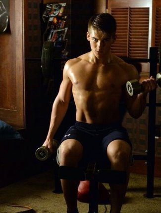 cody christian workout - shirtless - pretty little liars