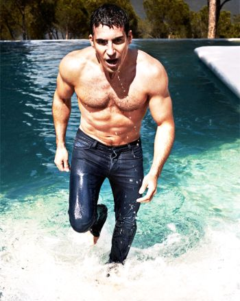 miguel angel silvestre shirtless body