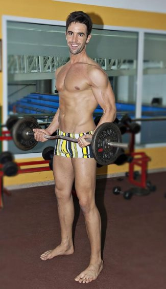Manuel-Rico-Doctor-Workout-In-Gym