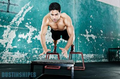 adam-rodriguez-shirtless-workout-photo-by-dustin-snipes-mens-fitness-magazine