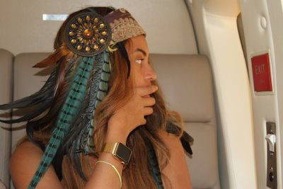 celebrity apple watch - beyonce gold apple watch edition