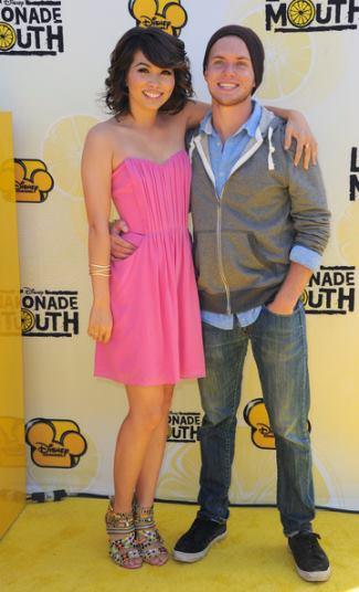 chris brochu girlfriend - Actress Hayley Kiyoko