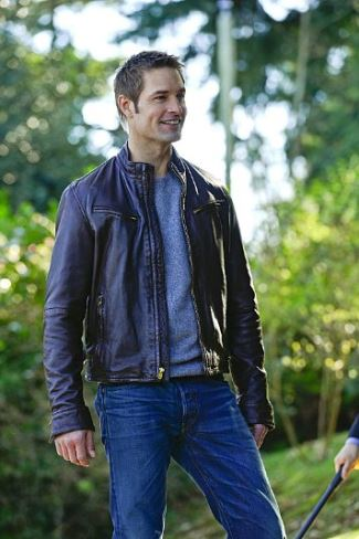 josh holloway leather jacket as gabriel vaugh in intelligence