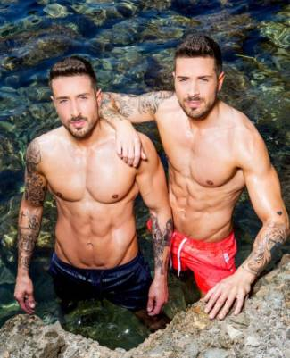 shirtless twins - John and Tony Alberti - love island