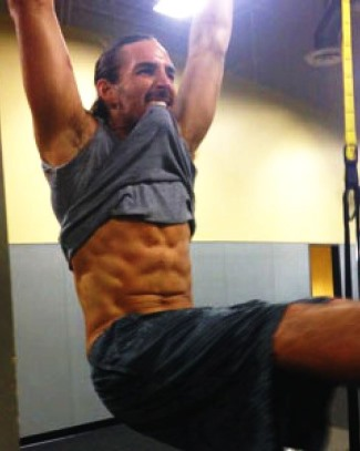 Jake-Owen-sixpack-abs