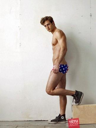 american flag underwear briefs - model ellis mccreadie