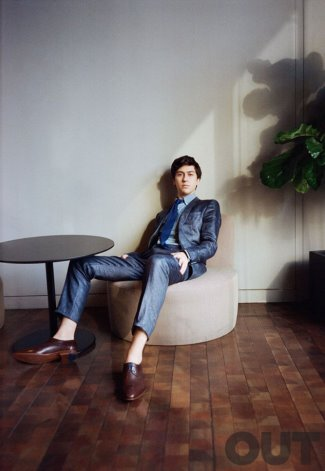 nat wolff suit - tommy hilfiger - out mag2