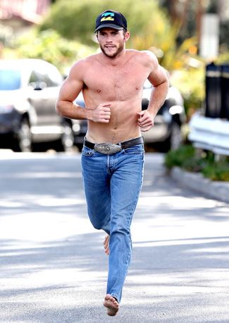 shirtless men in jeans scott eastwood