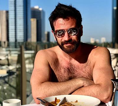 Colin Donnell hot smoking body