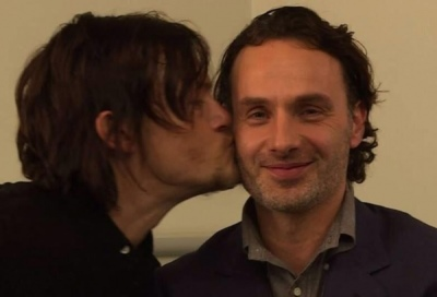andrew-lincoln-and-norman-reedus-gay-kiss