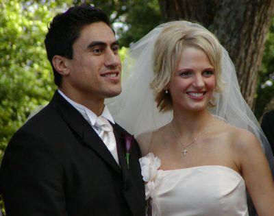 Joe Naufahu wife claire smith - wedding photo2