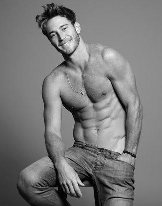 hot boys in jeans - rodrigo calazans