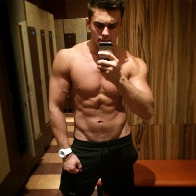 hot guys locker room selfies - Roman Shlyakis