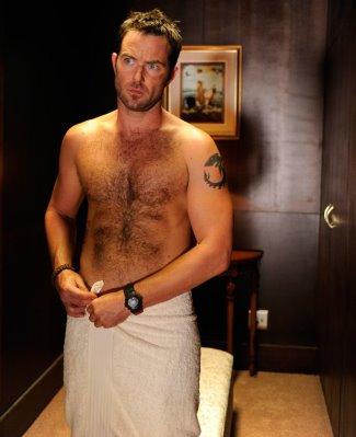 sullivan stapleton shirtless body