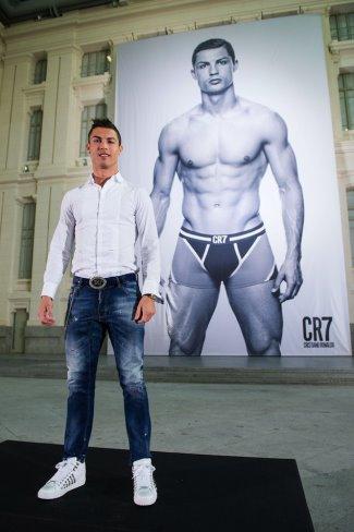 Cristiano-Ronaldo-Dsquared-Jeans