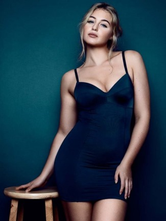 curvy girls dresses - Iskra Lawrence by Rafael Clemente