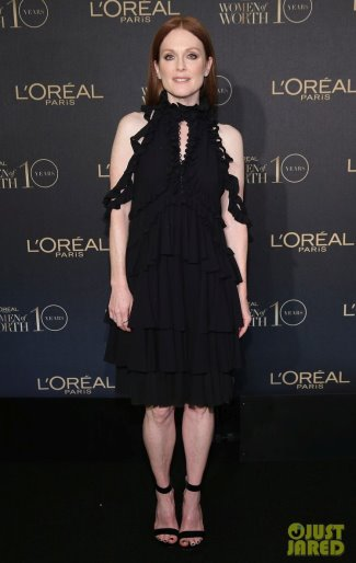 dresses for older women 2016 - julianne moore in Alexander McQueen dress