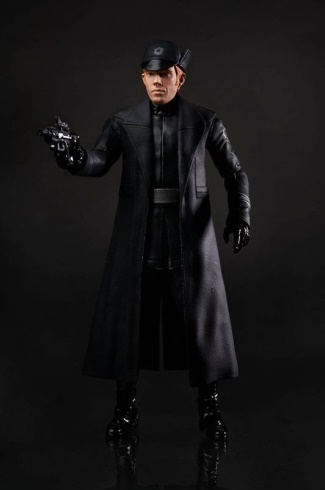 general hux coat - star wars the force awakens - dohmnall gleeson