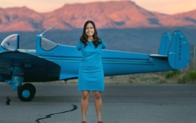 hot female pilots - jessica cox - armless pilot2