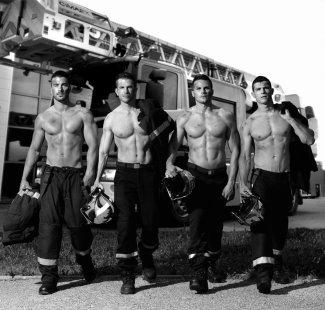 hot fireman calendar 2016 - france