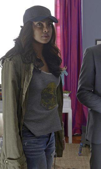 Priyanka Chopra alex parrish quantico fashion - talula trooper jacket3