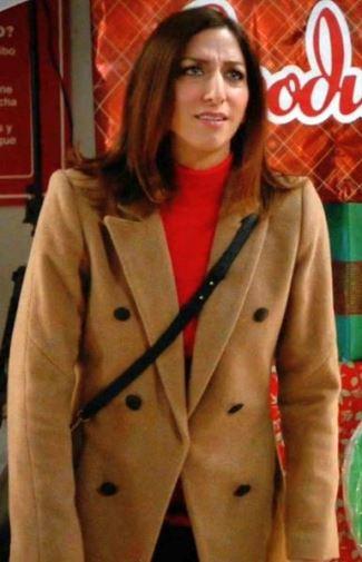 brooklyn nine-nine Gina Linetti Chelsea Peretti - rag and bone faye coat