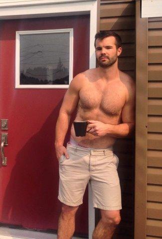 hot guys in shorts - simon dunn - walking shorts