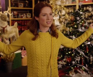 kimmy schmidt fashion - Ellie Kemper - yellow sweater - lands end petite drifter cable sweater