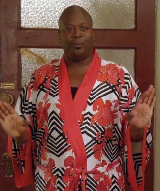 male celebrity kimono - titus burgess on kimmy - natori black pccadilly robe