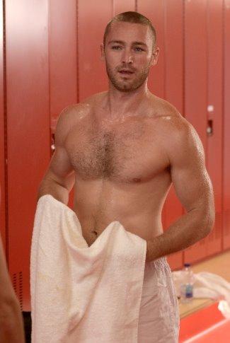 men in boxers underwear - Jake McLaughlin in quantico3