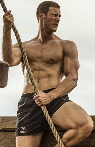 tom hopper black sails shorts2