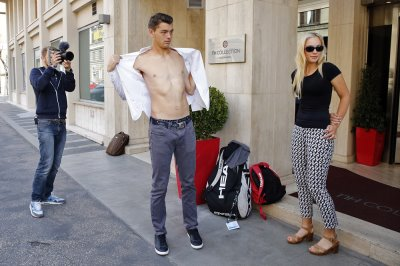 taylor fritz sexy shirtless with girlfriend Raquel Pedraza