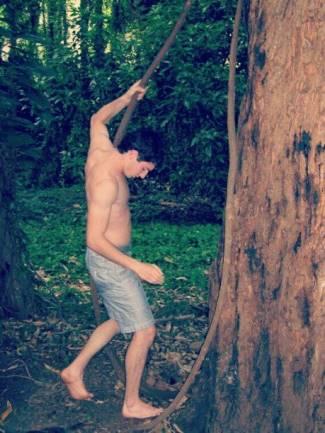alexander rossi shirtless body