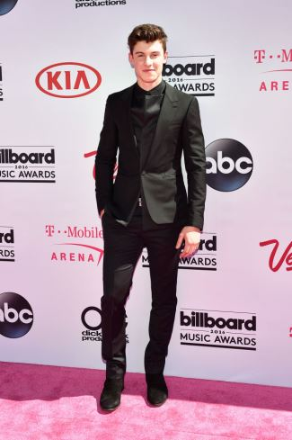 boys in suits - shawn mendes in balenciaga