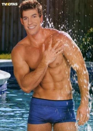 tom llamas underwear speedo hunk - william levy2